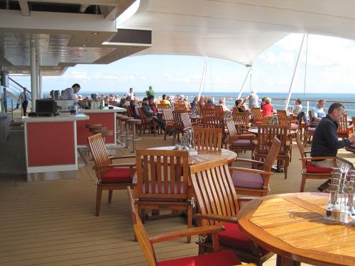 Restaurant auf dem Deck