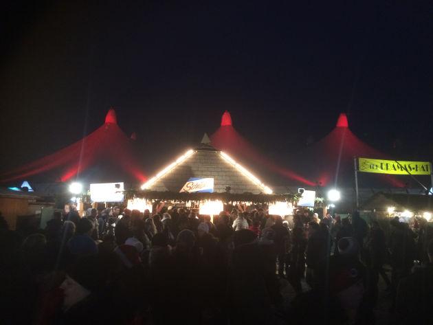 Tollwood bei Nacht