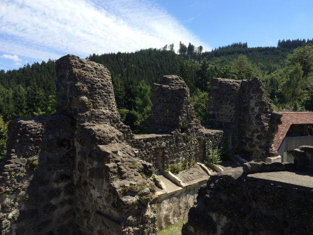 Im 18. Jahrhundert wurde sie allerdings al Steinbruch für die Schlösser in Kißlegg und Neu-Trauchburg in Isny missbraucht.