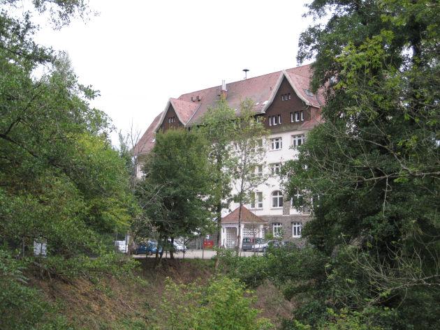 Inzwischen ganz schön eingewachsen: die Schwarzwaldklinik