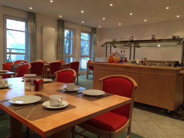 Der Frühstücksraum im Gästehaus Herzogenaurach