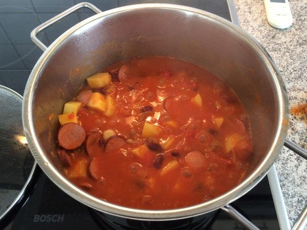 Die serbische Bohnensuppe ist fertig!
