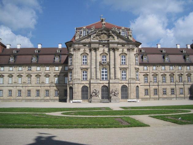 Schloss Weissenstein schauten wir nur von außen an