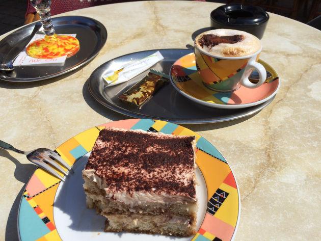 In Hirschaid kehrten wir in einem - nicht besonders ruhigem - Eiscafé ein