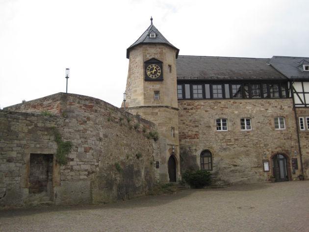 In der Burg befindet sich ein Museum. Doch auch das Äußere ist sehenswert.