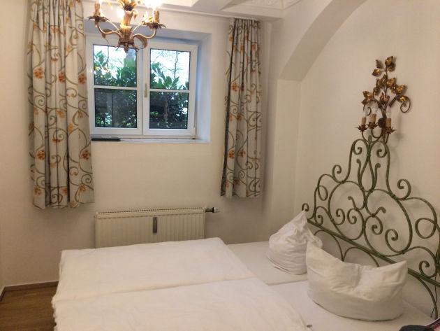 Mein Hotelzimmer - mein kleines, sauberes Nest.