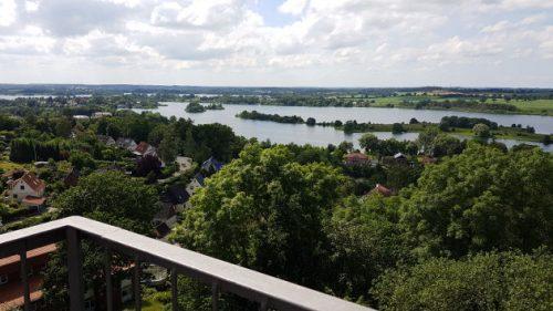 Bild - Blick über Seenlandschaft
