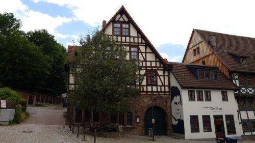 Bild - Blick aufs Lutherhaus in Eisenach