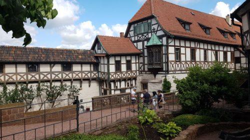 Bild: Der Vorhof der Wartburg in Eisenach