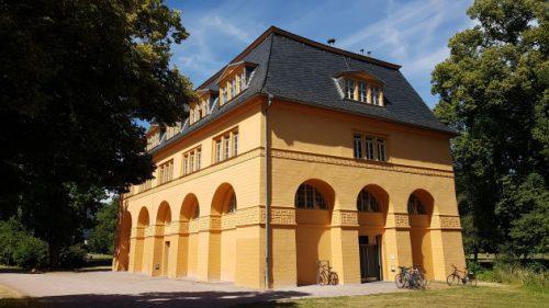 Bild: Reithaus im Park an der Ilm in Weimar