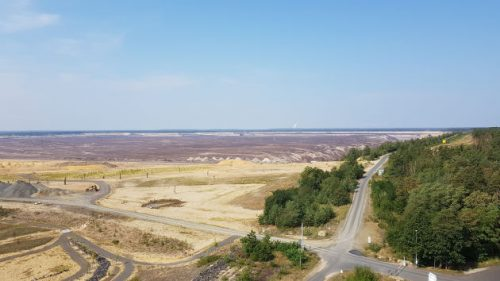 Bild Blick vom Turm über den Braunkohletagebau.