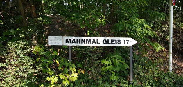 mupfel_298 – Gleis 17 und Stasigefängnis