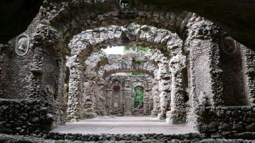 Grotte des Calypso und Ruinentheater