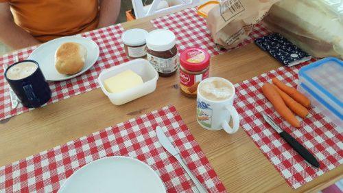 Unser Frühstückstisch in der Wohnung