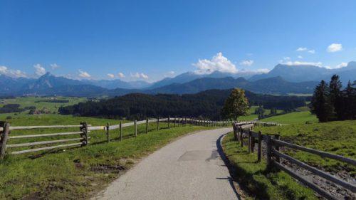 Blick auf eine herrliche Bergwelt